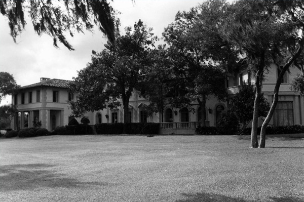 West mansion in Clear Lake, Texas, circa 1970, home to the Lunar Science Institute.